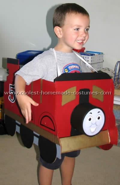 Thomas-the-train-halloween-costume-06